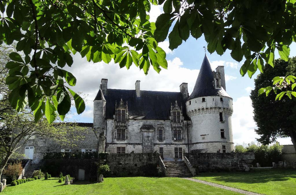 Complètement fan du Château de Crazannes