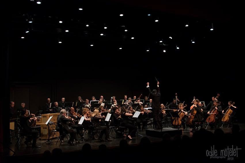 Julien Masmondet et l'orchestre